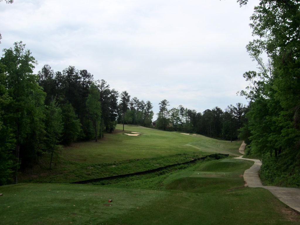 10th Hole at Auburn University Club (412 Yard Par 4)